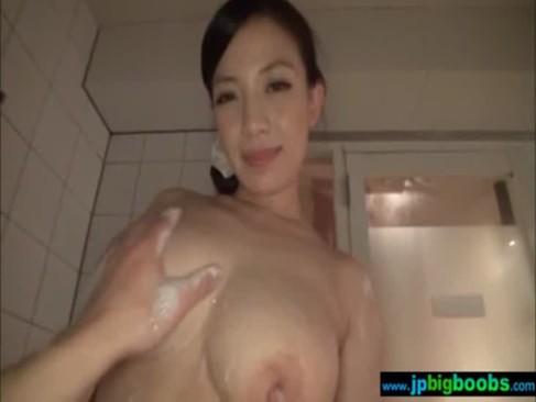 エックスビデオの巨にゅう妻との中出しセックス動画像無料