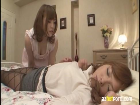 エックスビデオの美人rezuカップルとセックスする日本人無料